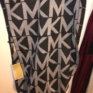MICHAEL KORS Scarf NEW WITH TAGS